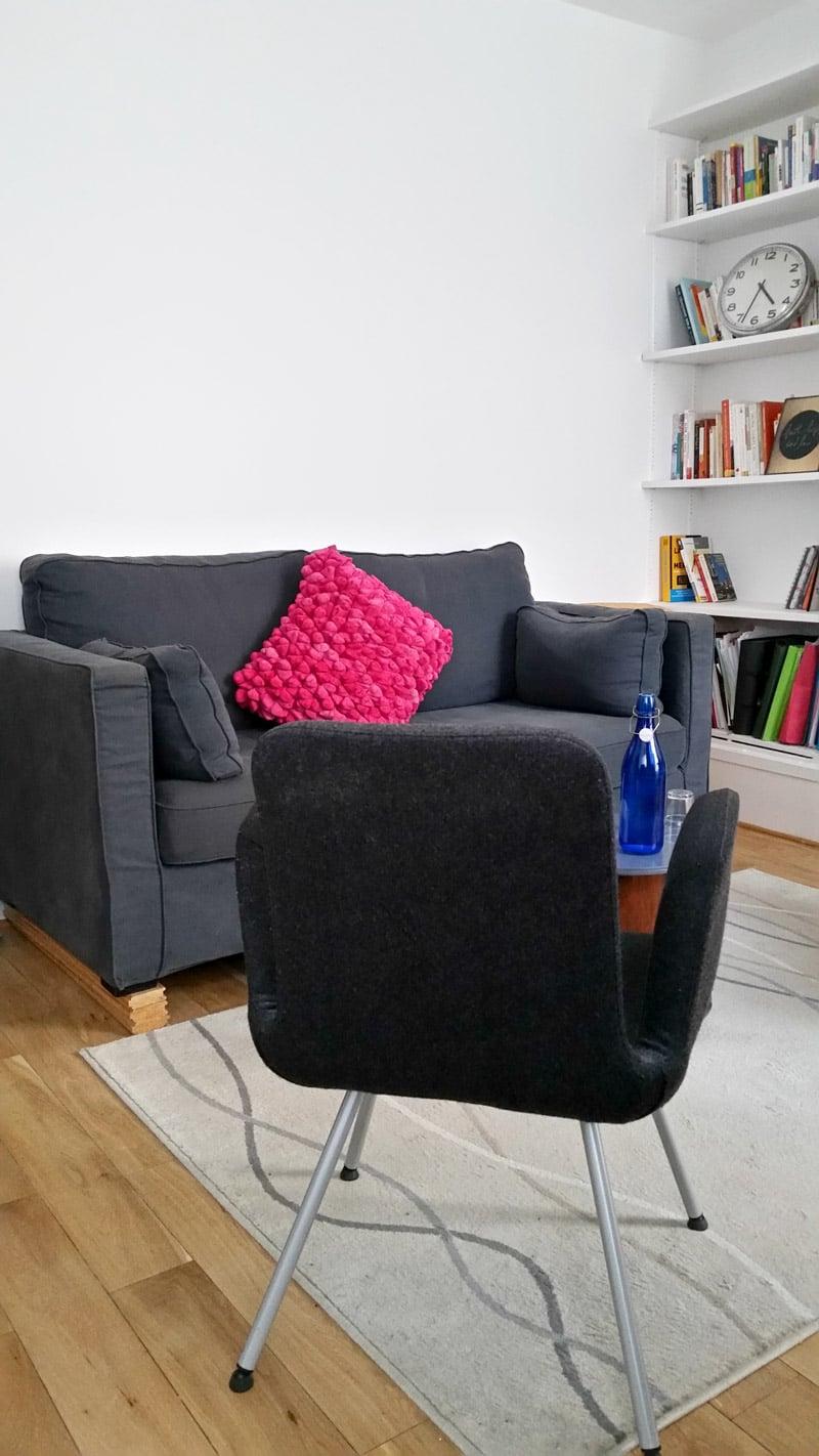 Bureau de Stéphane Dolly à Paris 14 - Le canapé